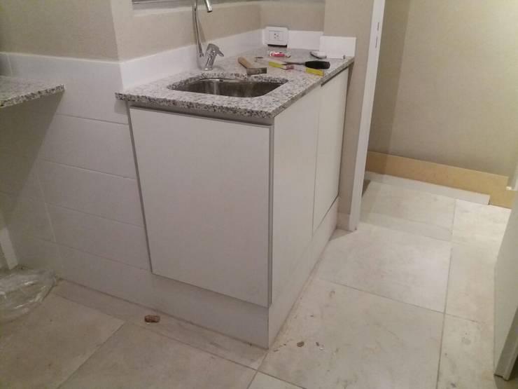 Mesada lavadero. Mueble bajo mesada: Baños de estilo  por NG Estudio,