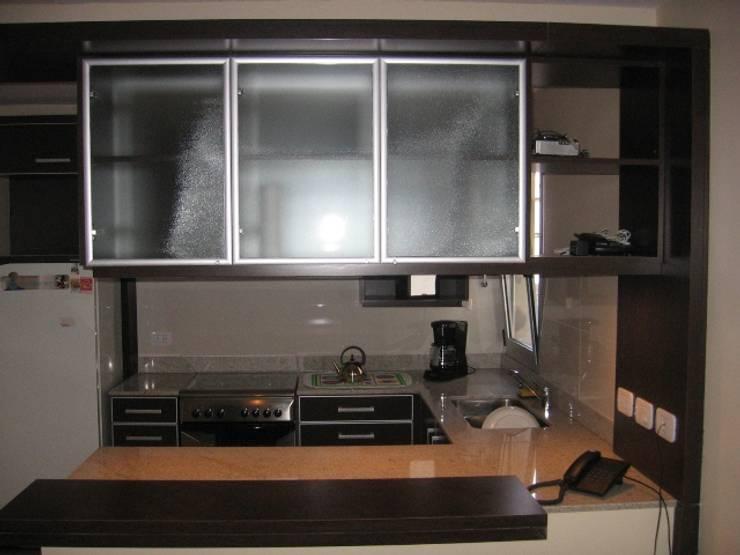 Mueble cocina.: Cocinas a medida  de estilo  por NG Estudio,