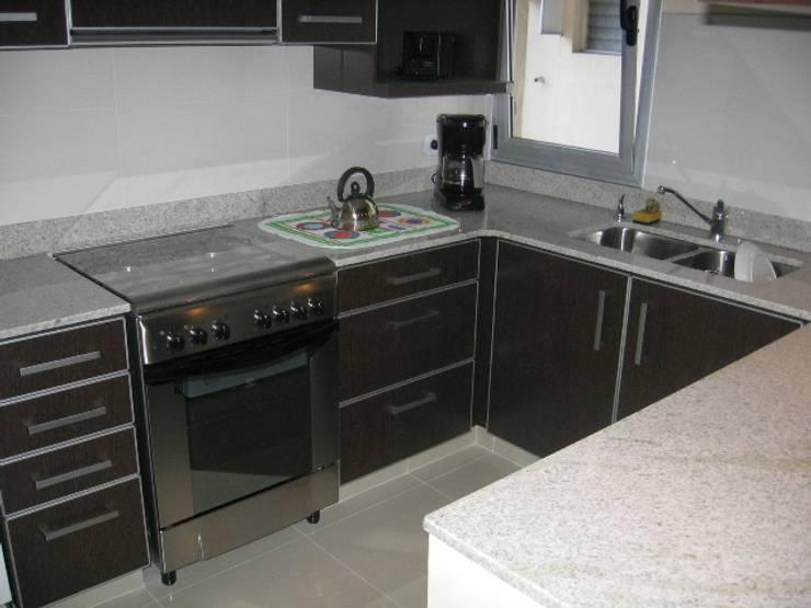 Cocina completa.: Muebles de cocinas de estilo  por NG Estudio,