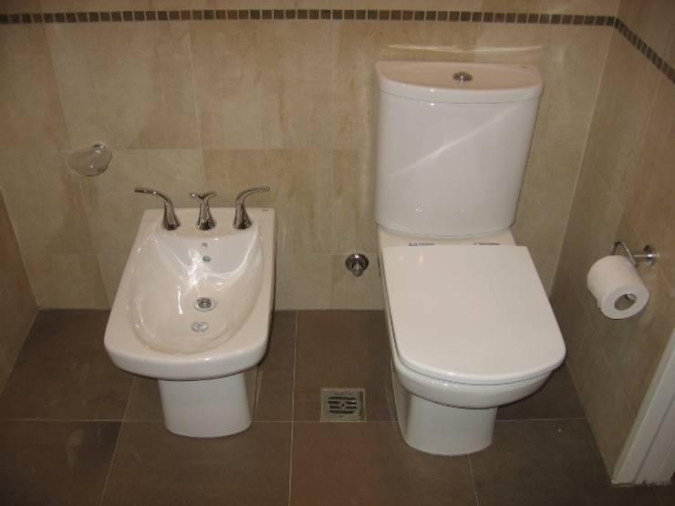 Baño principal.: Baños de estilo  por NG Estudio,