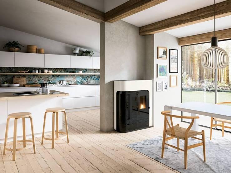 Salas de estilo moderno por Biojaq - Comércio e Distribuição de Recuperadores de Calor Lda