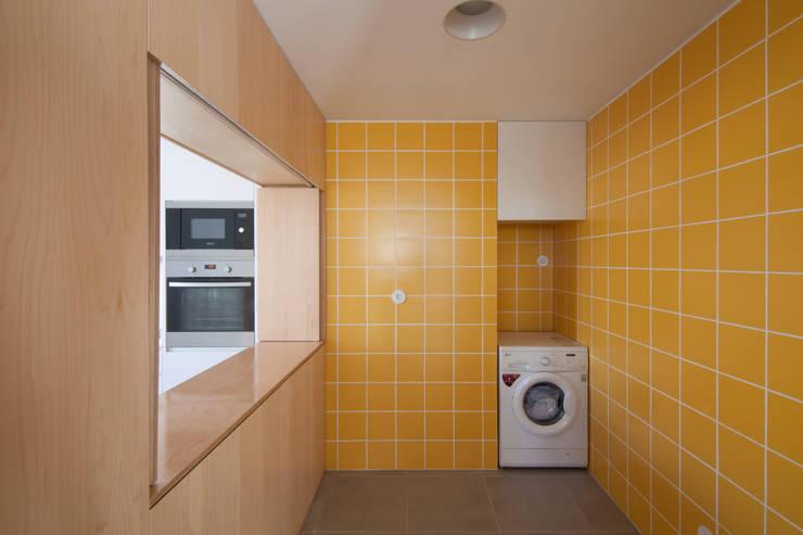 MB House: Cozinhas  por Contexto ®