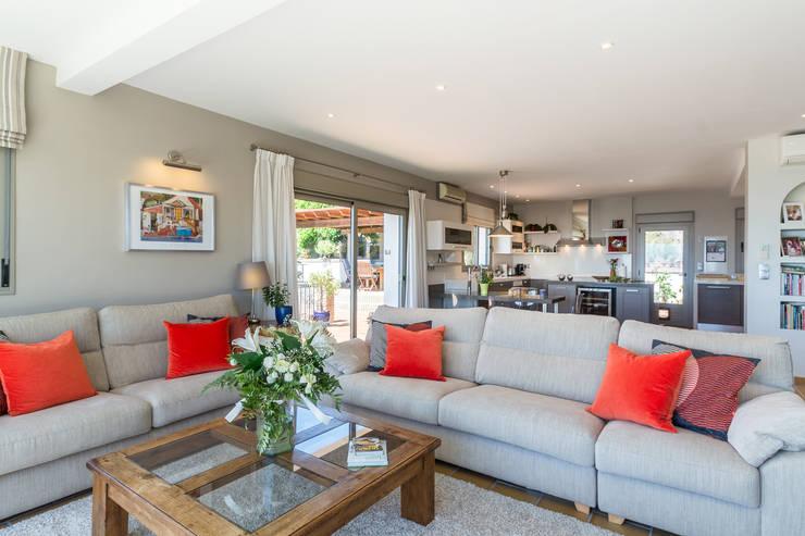 غرفة المعيشة تنفيذ Home & Haus | Home Staging & Fotografía