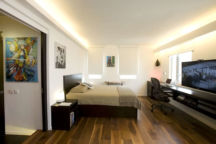 Healthy Garden: modern Bedroom by Clifton Leung Design Workshop