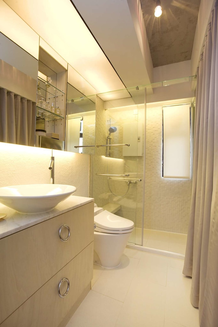 Vantage Park:  Bathroom by Clifton Leung Design Workshop