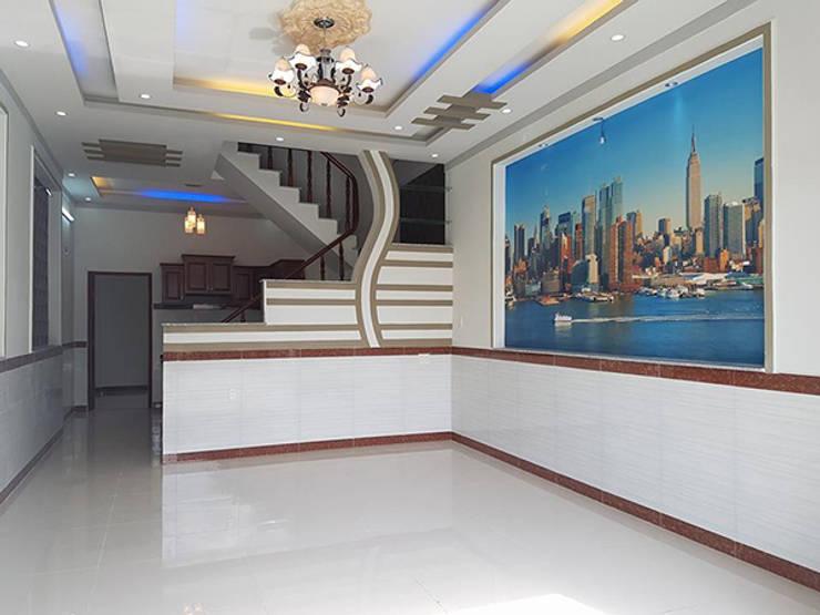 Phòng khách rộng rãi:  Phòng khách by Công ty TNHH Thiết Kế Xây Dựng Song Phát