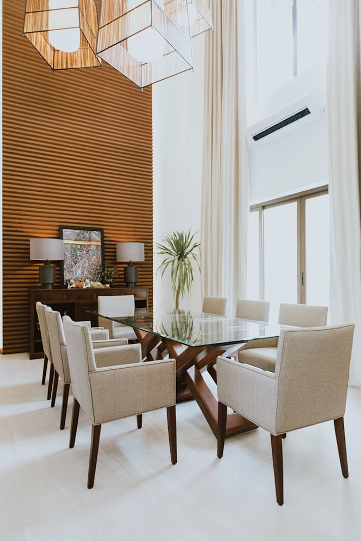 II House: tropical Dining room by Living Innovations Design Unlimited, Inc.