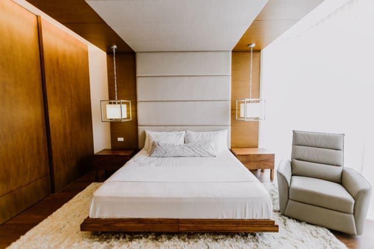 RT House: modern Bedroom by Living Innovations Design Unlimited, Inc.
