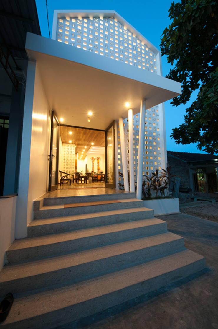 Maison individuelle de style  par Công ty TNHH Xây Dựng TM – DV Song Phát