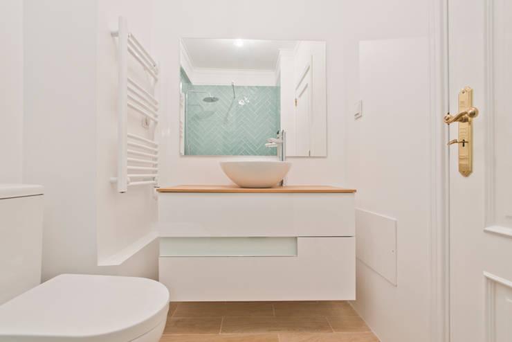浴室 by menta, creative architecture