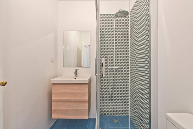 Instalação Sanitária das crianças: Casas de banho  por menta, creative architecture