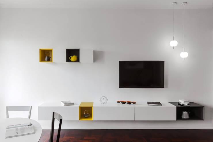 غرفة المعيشة تنفيذ Paola Maré Interior Designer