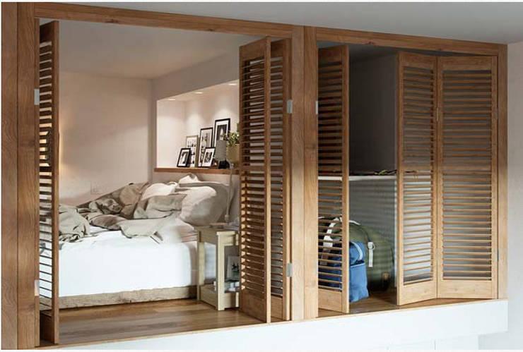 Hệ lam cửa giúp không gian thông thoáng nhưng vẫn giữ được sự riêng tư.:  Phòng ngủ by Công ty TNHH Thiết Kế Xây Dựng Song Phát