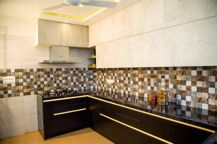 Mrs. Rama Vaidyananath:  Kitchen by Aesthetica