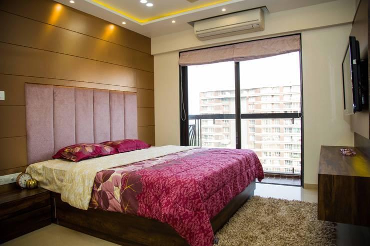 Mrs. Rama Vaidyananath:  Bedroom by Aesthetica