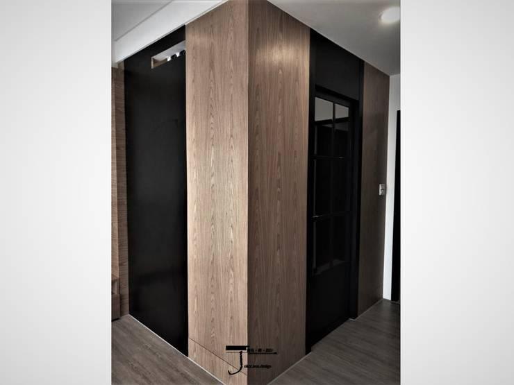 岩顏日和的58。角屋-:  更衣室 by 喬克諾空間設計