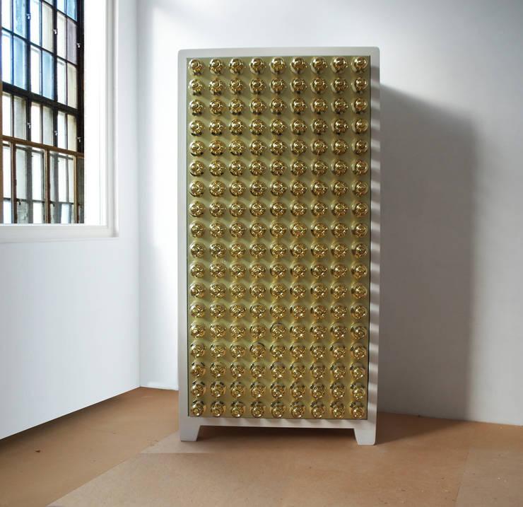 Timesafe secret cabinet: modern  door J A NP A U L , Modern Metaal
