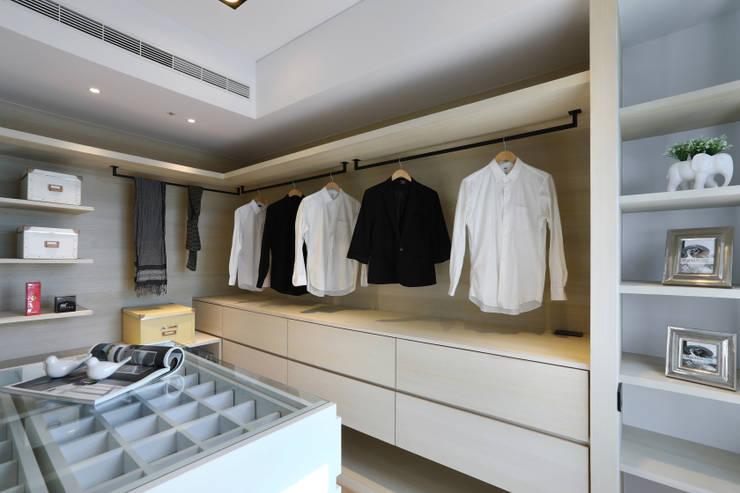 人文自然派的no.229舍-場景-更衣/衛浴:  更衣室 by 喬克諾空間設計