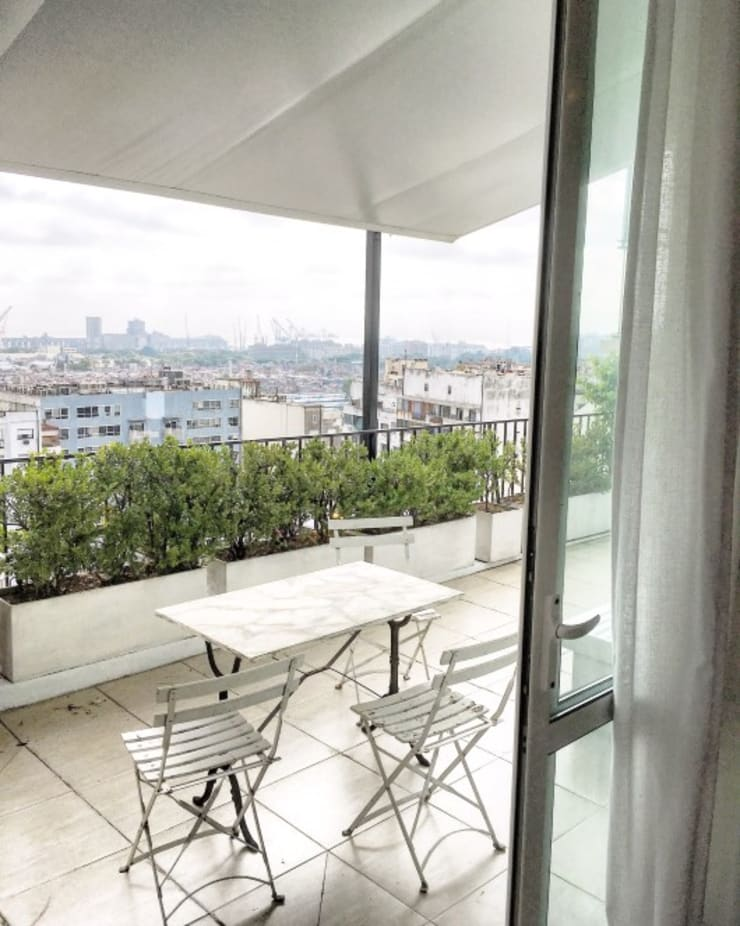 Terrace by FAARQ - Facundo Arana Arquitecto & asoc., Eclectic