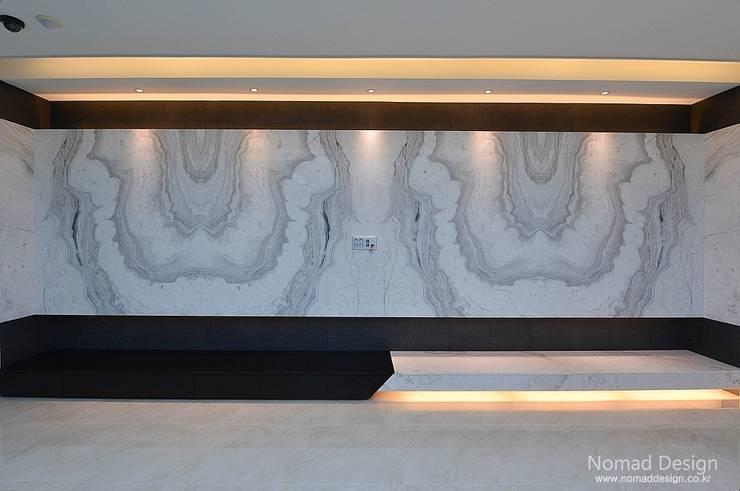 66평 엘크루블루오션 – 부산: 노마드디자인 / Nomad design의  벽