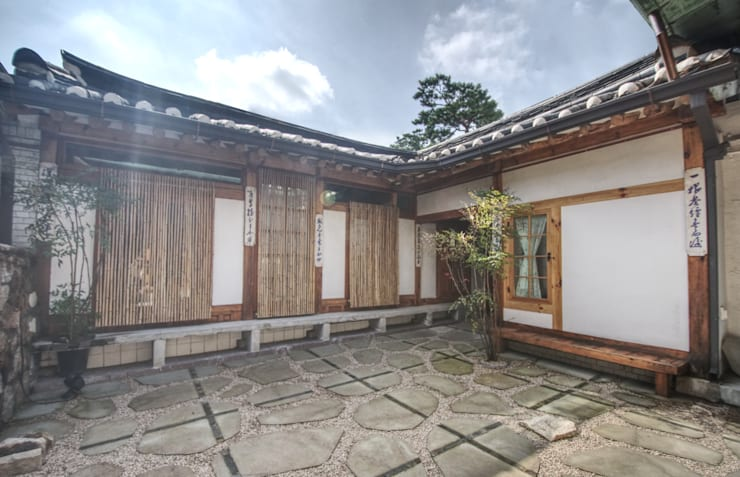 'Hyehwa1938' – korean modern traditional house: 참우리건축의  정원