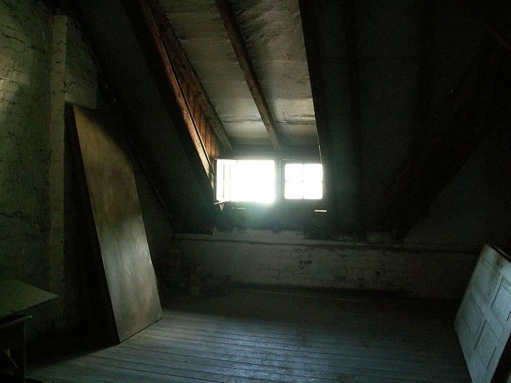 Vorher Dachgeschoss im Denkmal:   von schüller.innenarchitektur