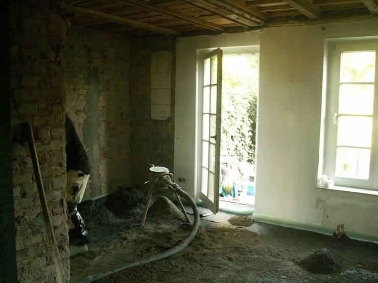 Bauphase Einfamilienhaus:   von schüller.innenarchitektur