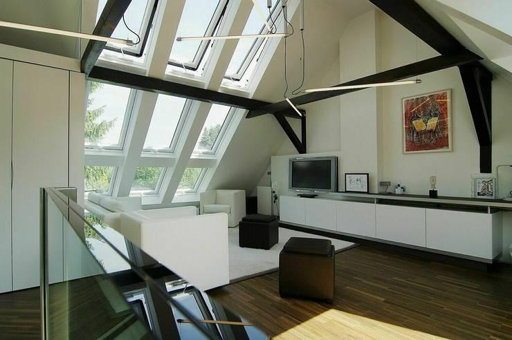 Wohnen:  Wohnzimmer von schüller.innenarchitektur