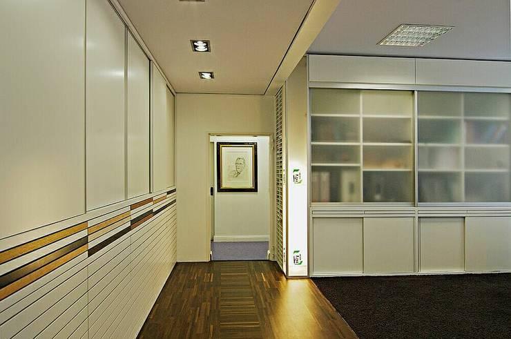 Beratung:  Bürogebäude von schüller.innenarchitektur