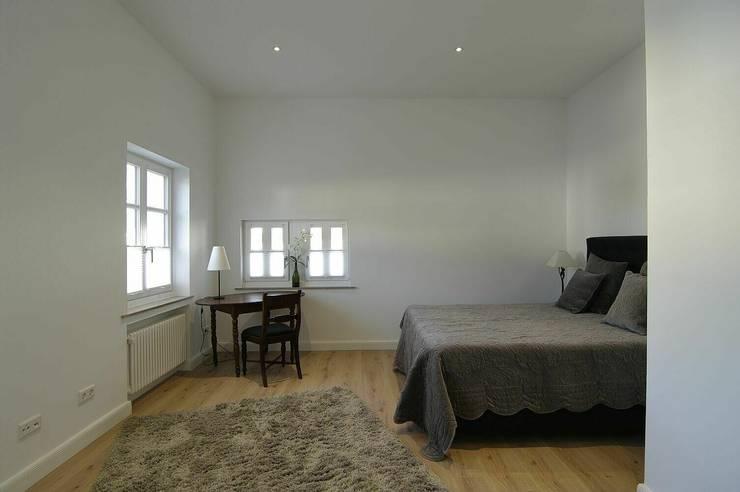 Schlafbereich:  Schlafzimmer von schüller.innenarchitektur