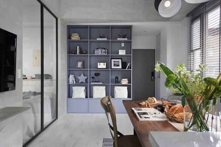 倆倆:  客廳 by 寓子設計