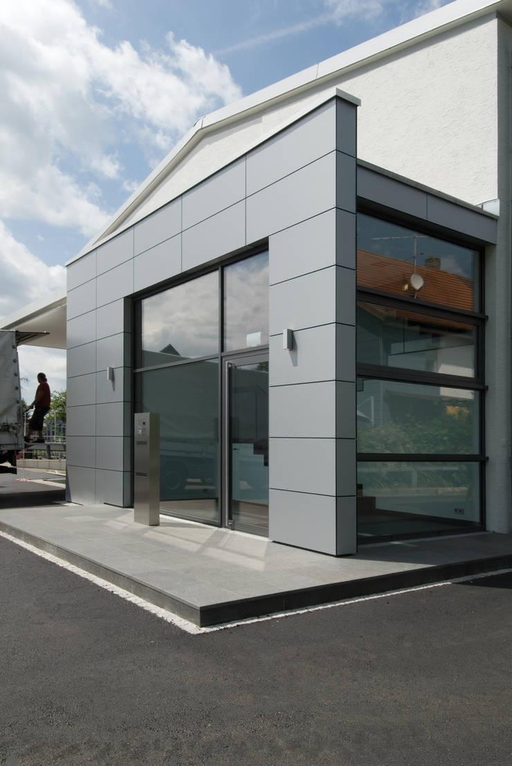 Architekturbüro zwo P의  회사, 모던