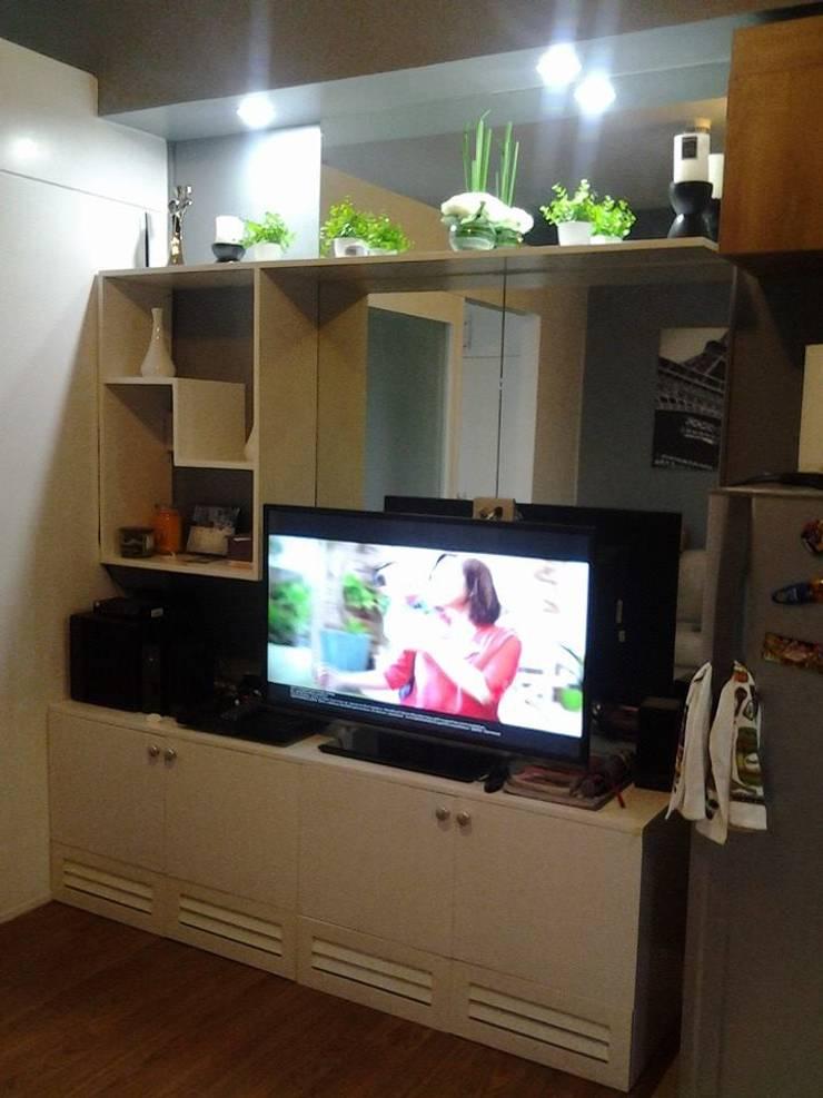 Grand Midori-Makati:  Living room by marcdeco