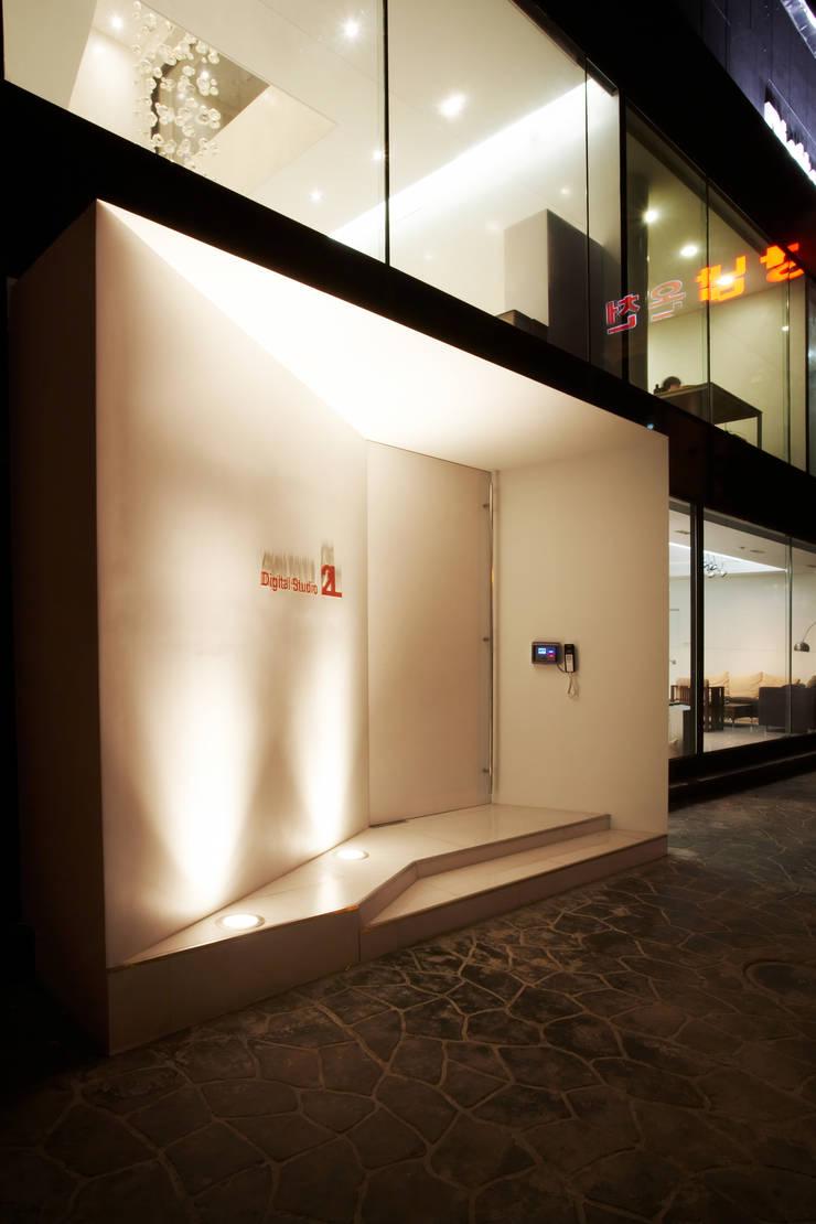 Digital Studio 2L: 바나나피쉬의  바닥,