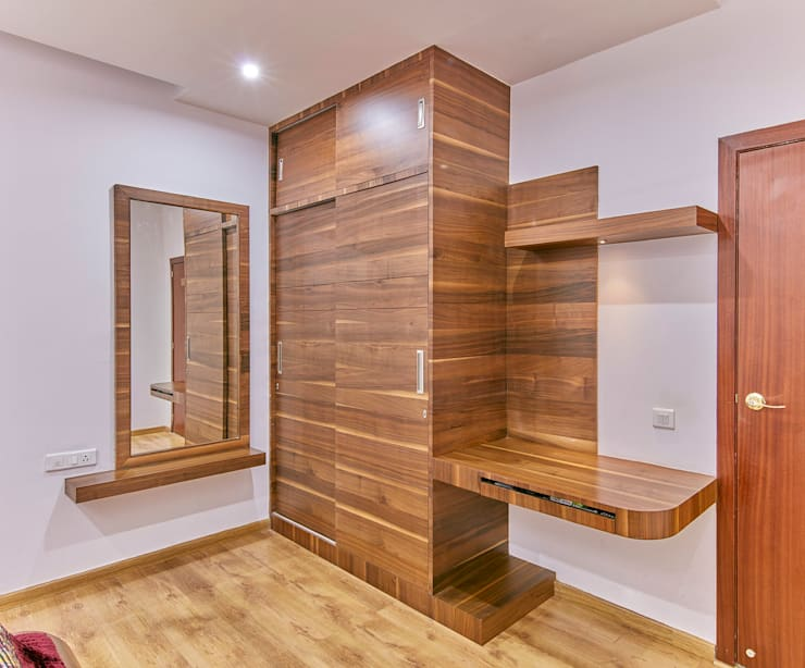 Full wood wardrobe in bedroom 1: modern Bedroom by NVT Quality Build solution