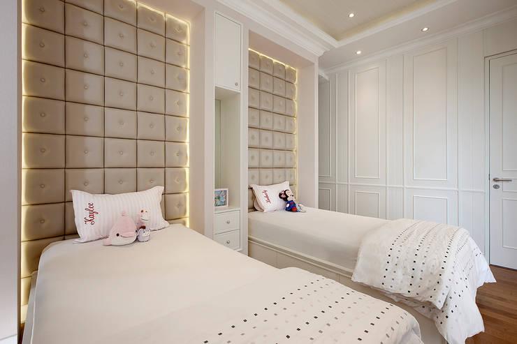 Senopati Suites Apartment:  Kamar Tidur by High Street