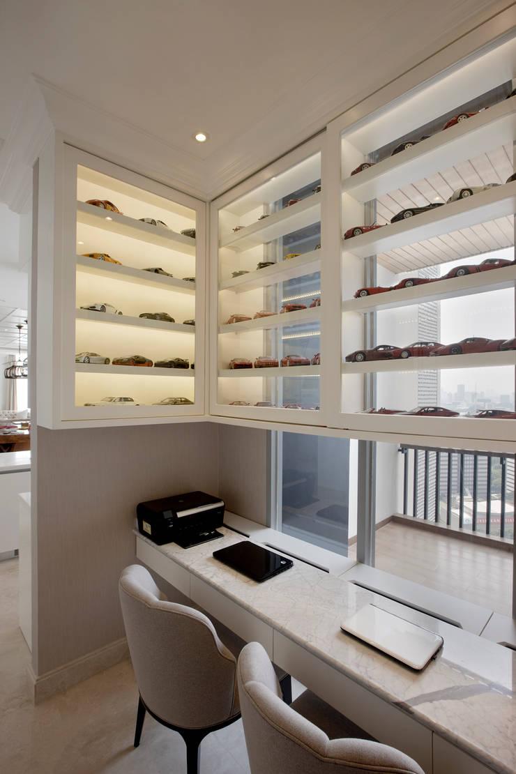 Senopati Suites Apartment:  Ruang Kerja by High Street