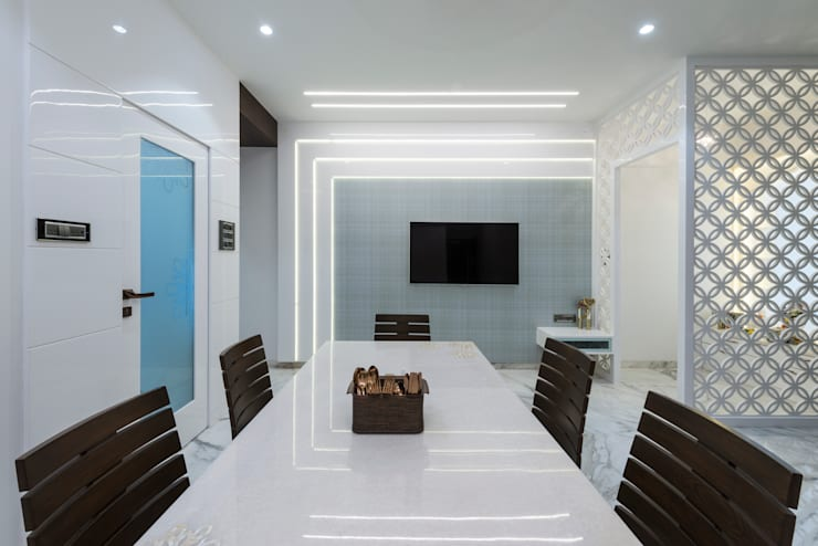 Dining Room:  Dining room by Tanuja and Associates ,Modern