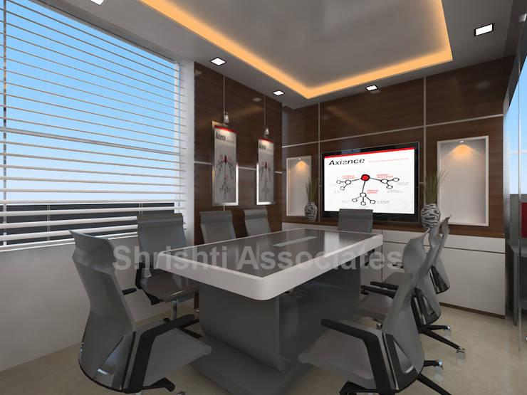 Office Cabin: modern Study/office by Shrishti Associates