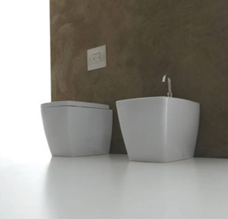 X-Tre: Casa de banho  por Smile Bath S.A.