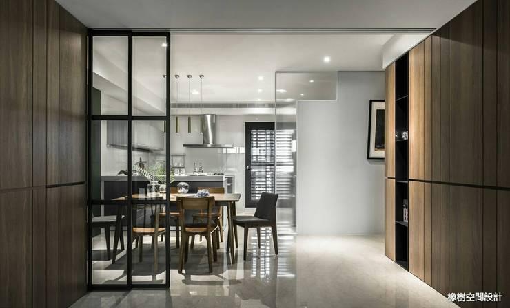 高雄 李宅:  餐廳 by 橡樹設計Oak Design