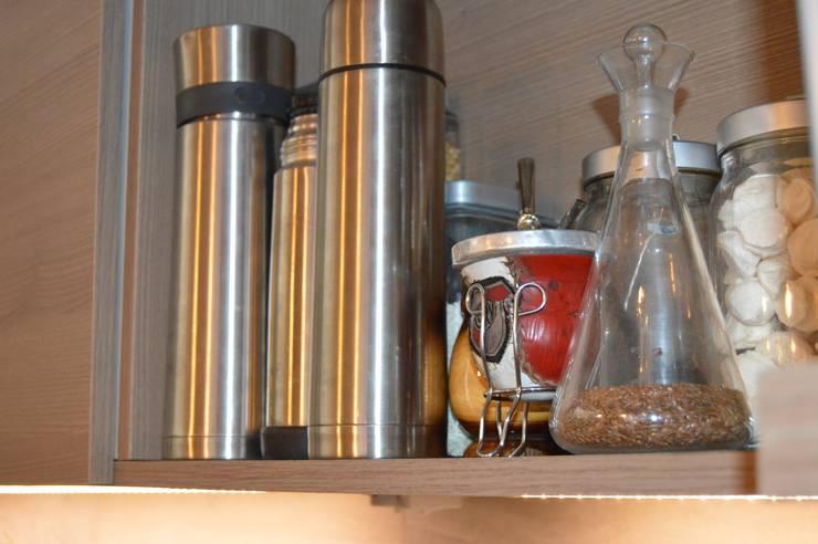 Reforma en Once, Buenos Aires: Muebles de cocinas de estilo  por Sinapsis Estudio,