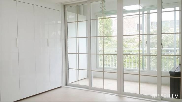 부산 해운대구 좌동 아파트 인테리어: 엘레브 디자인의  방