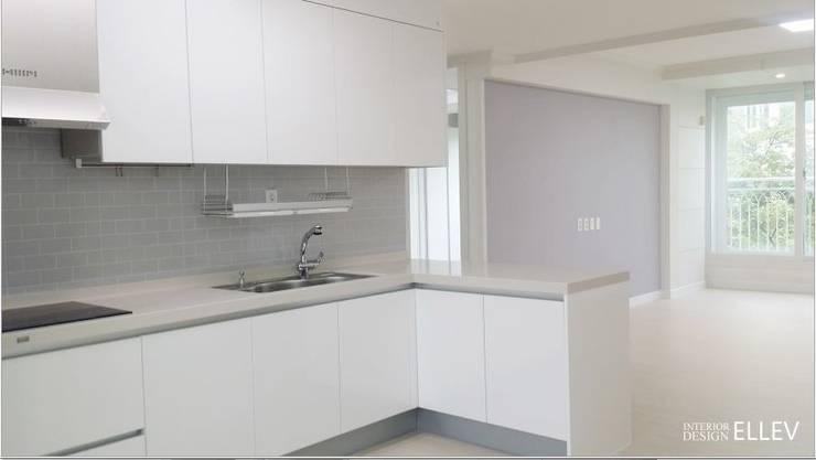 부산 해운대구 좌동 아파트 인테리어: 엘레브 디자인의  주방