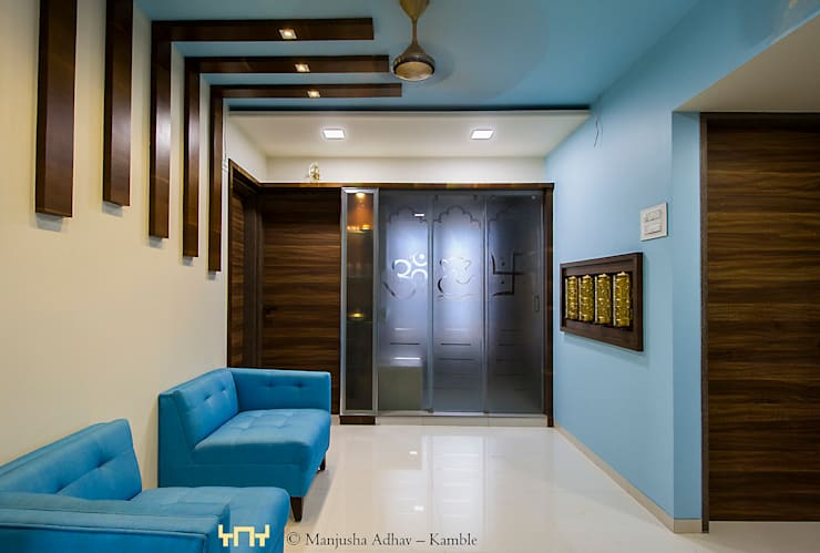 3BHK Apartment:  Balconies, verandas & terraces  by solids and voids