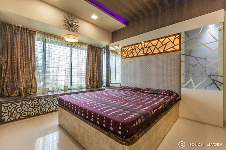 2BHK residence:  Bedroom by solids and voids