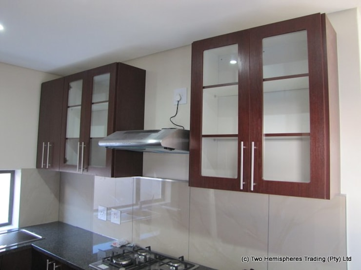 Midrand Site 1:  Built-in kitchens by Drake Williams Decor