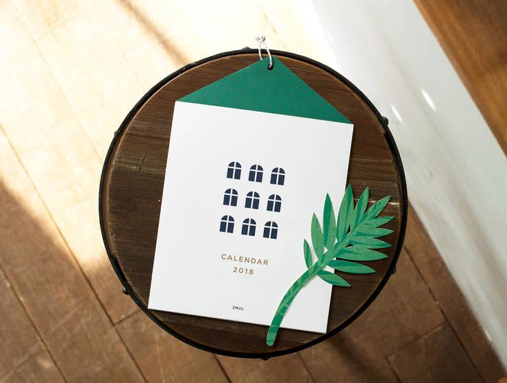 2018 하우스 캘린더: 디자인 스튜디오 이널의  서재/사무실,