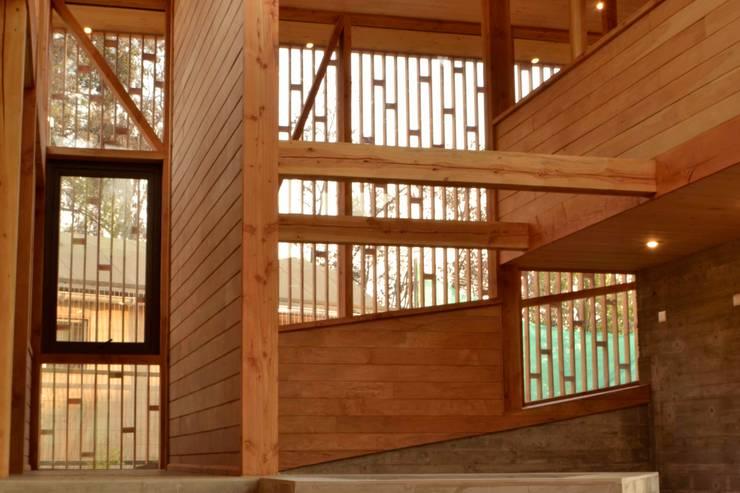 Celosia: Livings de estilo  por PhilippeGameArquitectos