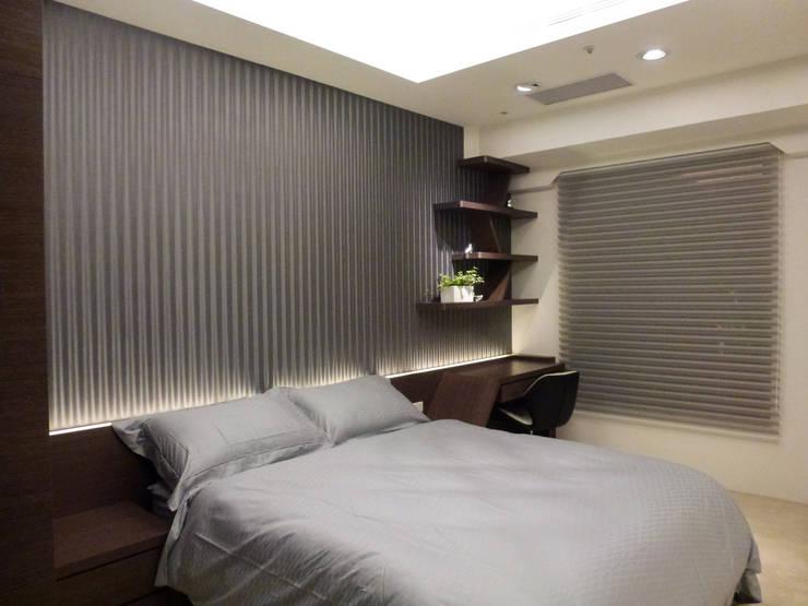 住宅設計-大樓:  臥室 by 沐築空間設計